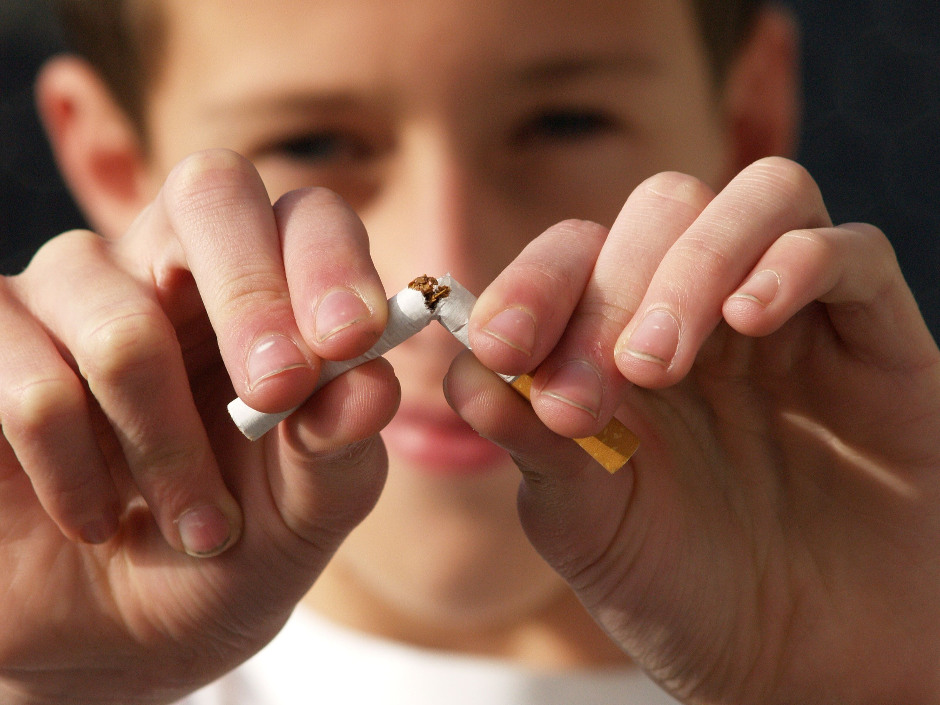 Plainfield NE Dentist | Tobacco & Your Teeth: The Risks of Chewing and Smoking